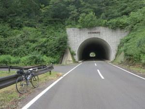 「髙山トンネル」林道ピークの近く