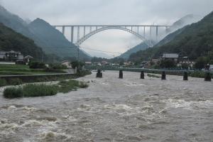 沼田川。広島空港大橋